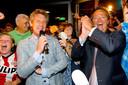 PSV verkocht tien jaar geleden de grond onder het Philips Stadion aan de gemeente Eindhoven en vierde dat als een overwinning. Destijds waren technisch manager Marcel Brands en Tiny Sanders (algemeen directeur) de eindverantwoordelijken bij de club.