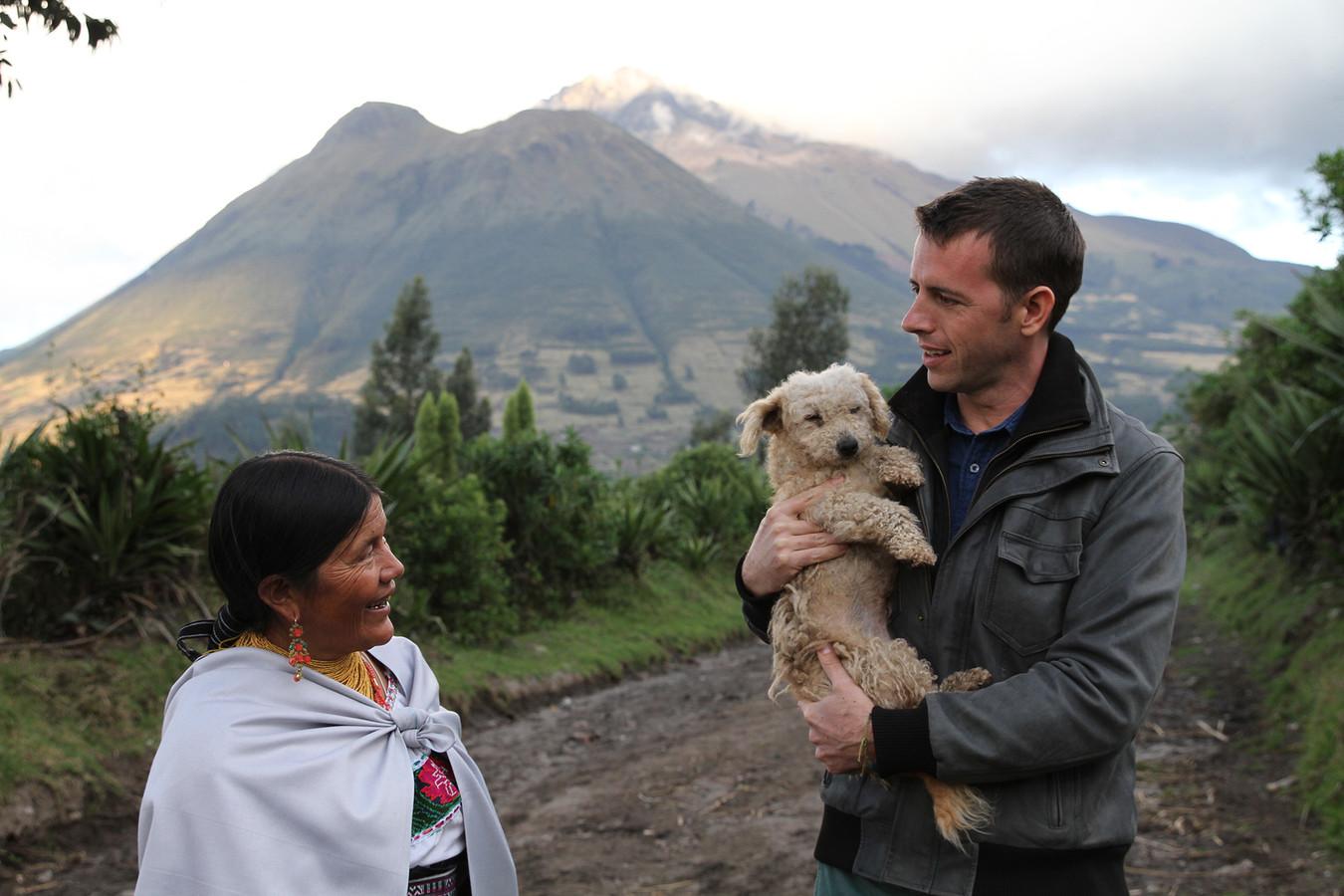 Stef Biemans tijdens een aflevering van Over de rug van de Andes over Ecuador.