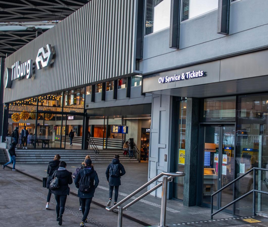 De NS heeft plannen om het bemande service loket op station Tilburg te sluiten en te vervangen door een infozuil.