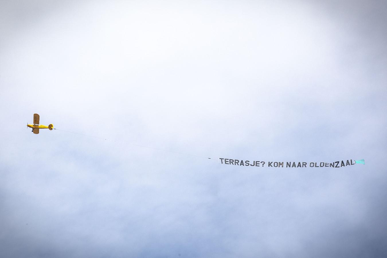 Het veelbesproken vliegtuigje boven Noordoost-Twente.