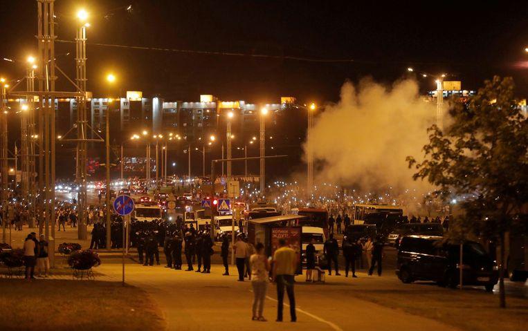 Demonstranten in botsing met de veiligheidstroepen. Beeld REUTERS