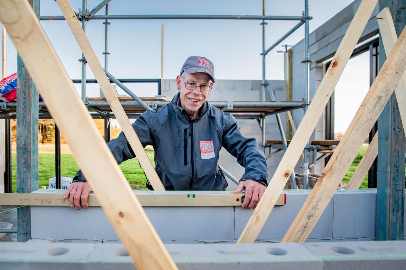 Harrie is timmerman/voorman bij bouwbedrijf T. Groters in Terwolde.