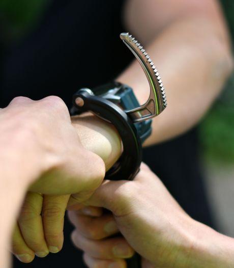 Doetinchemmer (25) opgepakt voor drugs- en wapenbezit
