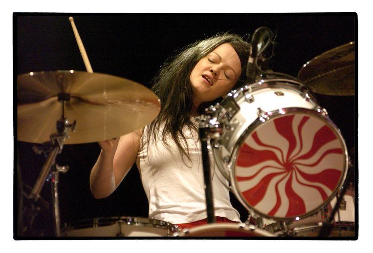 Meg White van 'The White Stripes' op Pukkelpop Beeld Alex Vanhee