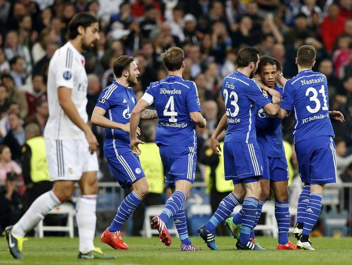 Felicitaties voor Leroy Sané nadat hij de 3-3 heeft gemaakt tegen Real Madrid.