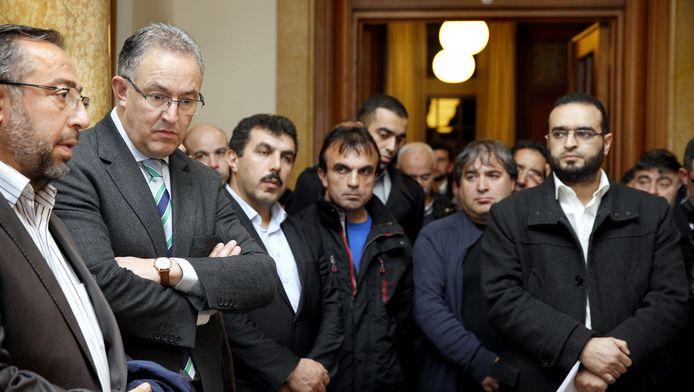 Vertegenwoordigers van de islamitische gemeenschap spreken bij burgemeester Ahmed Aboutaleb hun afschuw uit over de aanslagen in Parijs.