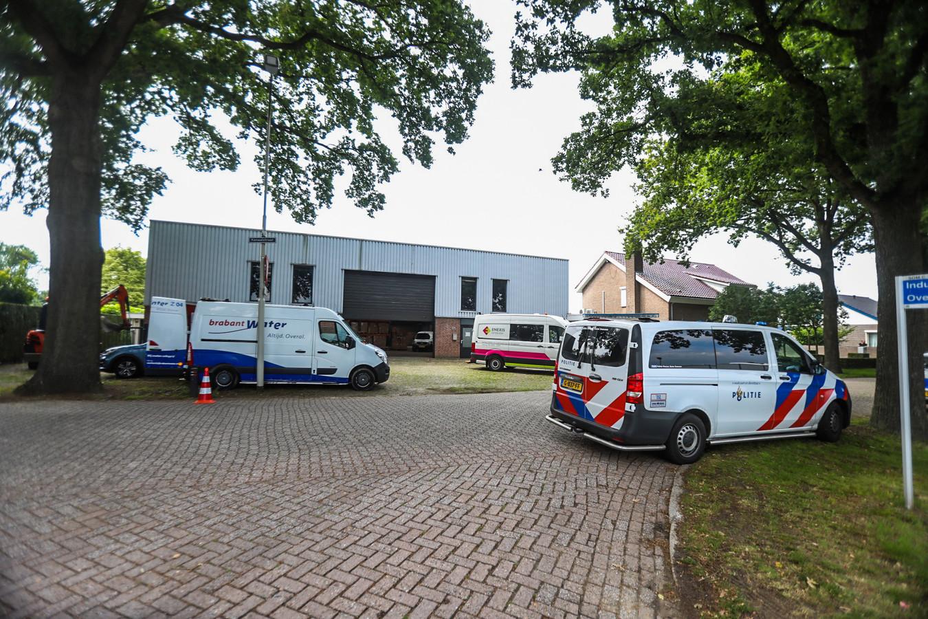 Politie vindt hennepkwekerij in een loods in Someren.