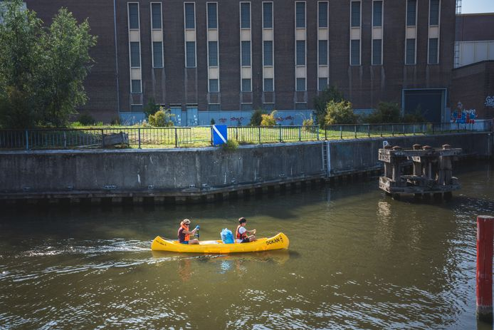 World Cleanup day op de Gentse wateren: rondvaren op zoek naar zwerfvuil.