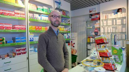 """""""Ze gaan je overvallen"""": Apotheker Joost ontsnapt net aan overval dankzij tip buurtbewoonster en agent"""