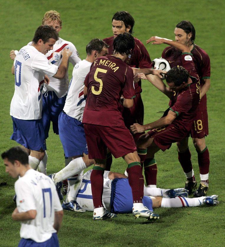 Het duel tussen Nederland en Portugal op het WK 2006. Beeld anp