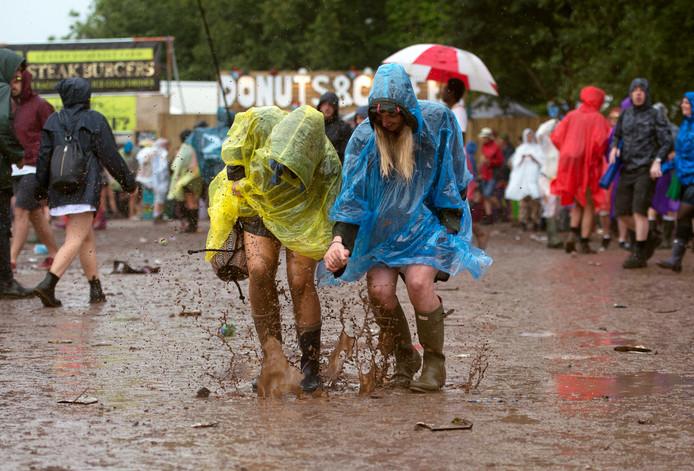Meestal is het slecht weer en draait Glastonbury uit op een blubberfestival.