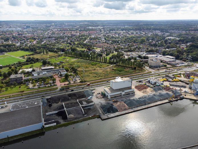 Asfaltfabriek APN aan de Energieweg in Nijmegen.