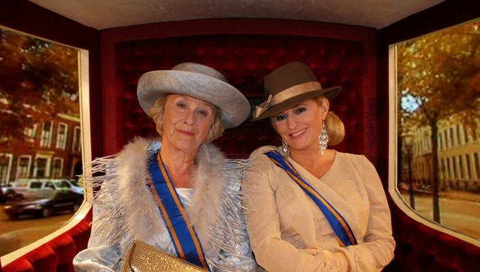 De koninklijke familie wordt vaker in de schijnwerpers gezet door satiremakers, zoals hier prinses Beatrix en koningin Maxima.