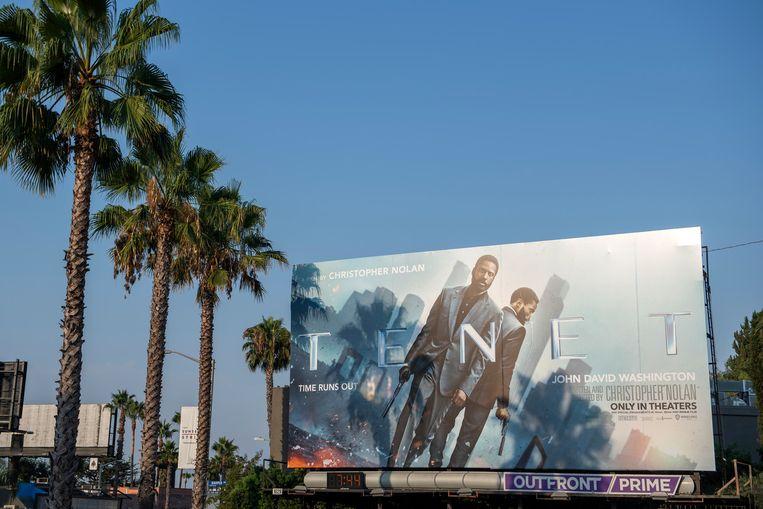 Billboard met de aankondiging van Nolans film 'Tenet' op de Sunset Strip in West Hollywood. Beeld HH
