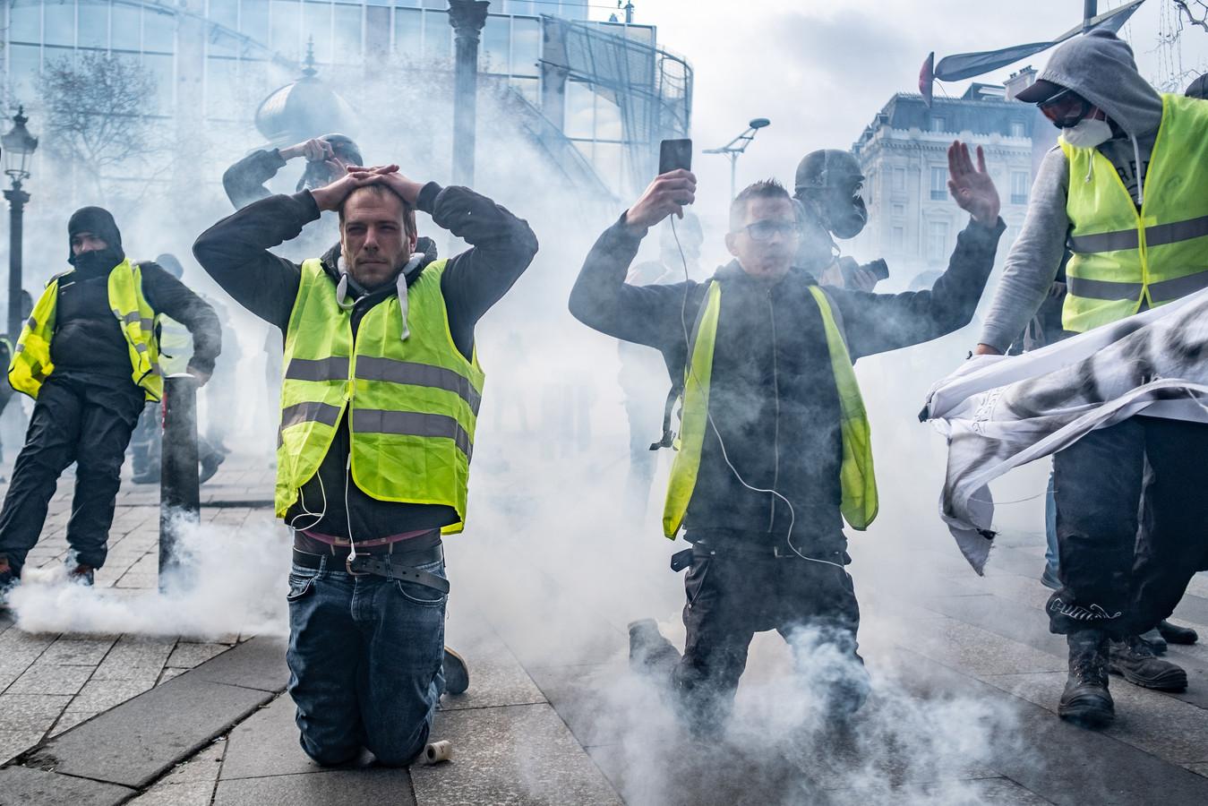 De protesten van de 'gele hesjes' zijn flink afgenomen in Frankrijk, maar in de Franse stad Nantes kwam het zaterdag tijdens een demonstratie tot ongeregeldheden. Foto ter illustratie.