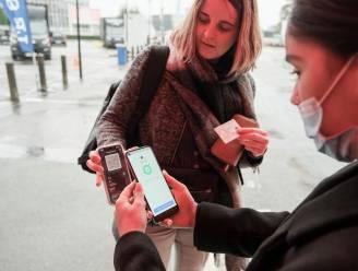 """Covid Safe Ticket voortaan verplicht in Brussel, maar daar lijkt men vooral in de horeca niet wakker van te liggen: """"Bang voor boetes? Wie gaat mij hier komen controleren?"""""""