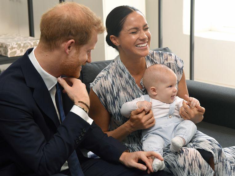 Prins Harry en Meghan met hun zoontje Archie Beeld EPA