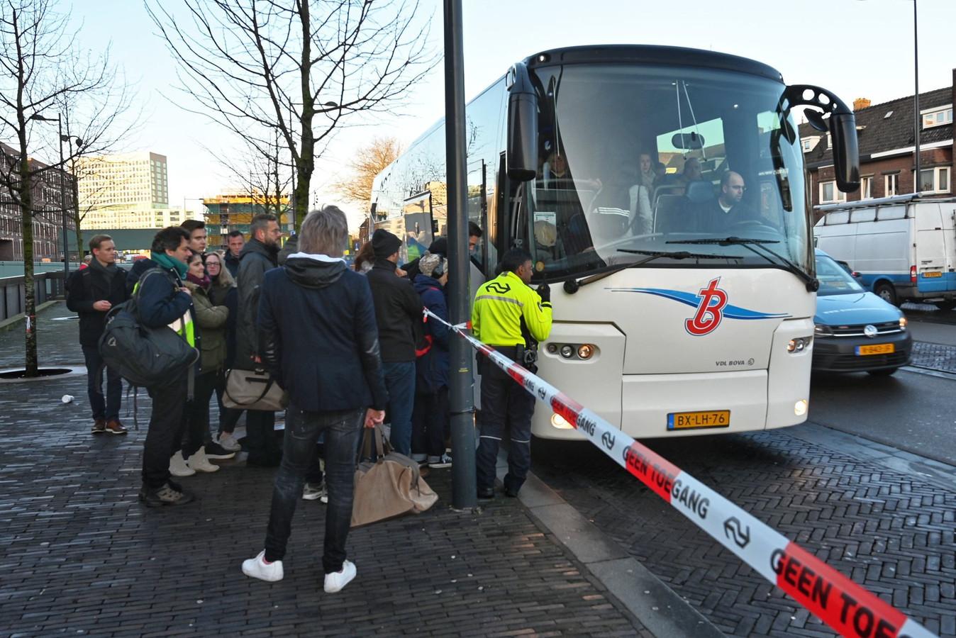 Vanwege een treinstoring bij station Breda werden bussen ingezet.
