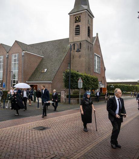 Weinig begrip voor massaal bezochte kerkdienst in Staphorst: 'Een dikke middelvinger naar de zorg'