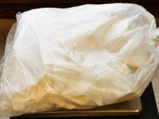 Drugssmokkelaar met halve kilo cocaïne onder trui betrapt in trein bij Bad Bentheim