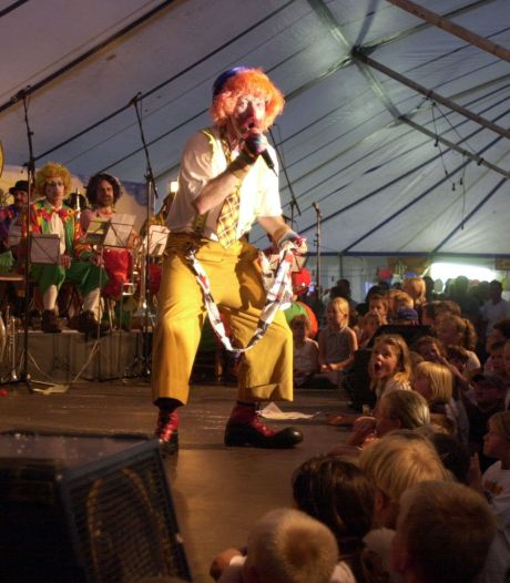 Circus 't Sàààsss gaat zaterdag coronaveilig de straat op in Sas van Gent