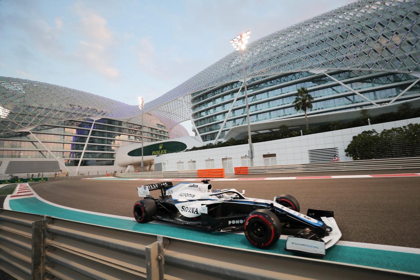 George Russell in de bolide van Williams in Abu Dhabi op 11 december.