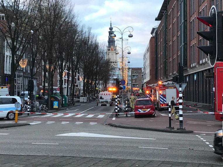 De Jodenbreestraat is vanaf het Mr. Visserplein afgezet.  Beeld Bo Broek