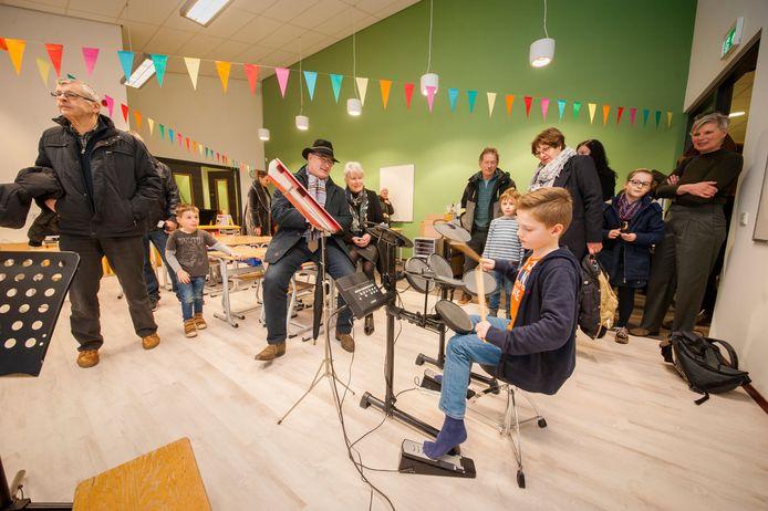Beeld van de feestelijke opening van De Steen in 2018.