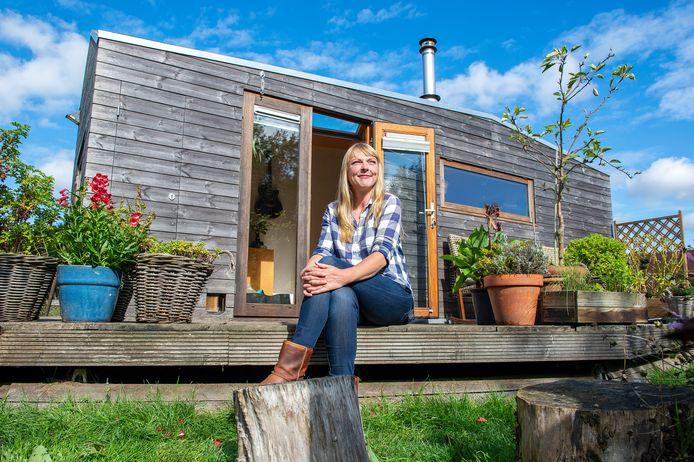 Marjolein Jonker is pionier op het gebied van tiny houses. Ze verhuist binnenkort naar Olst.