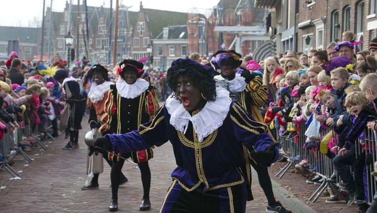Zwarte Piet in Hoorn, in november vorig jaar. Beeld ap