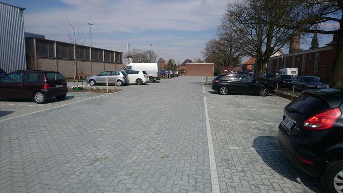 De vernieuwde parking van sportcentrum De Witte Molen.