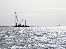 Rijkswaterstaat zet ijsbrekers in op IJsselmeer en Twentekanalen