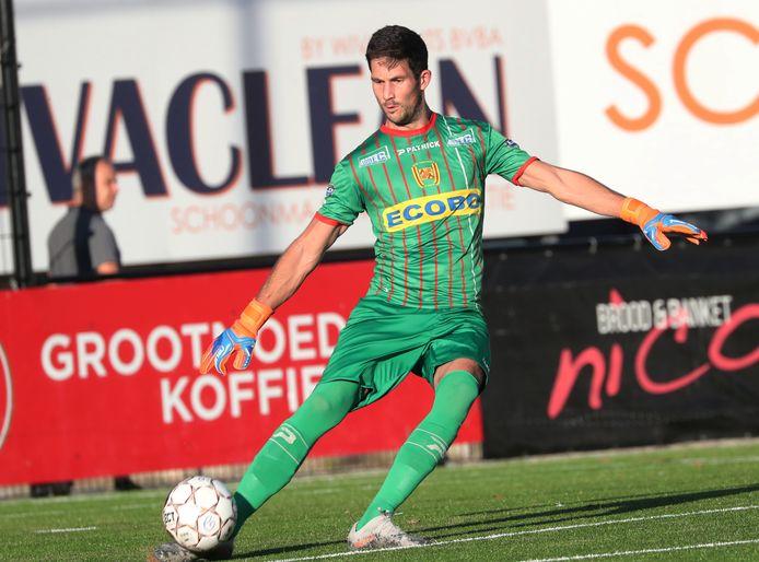 Doelman Jonas Uytterhaegen kon zijn clean sheet niet vasthouden tegen Voorde-Appelterre.