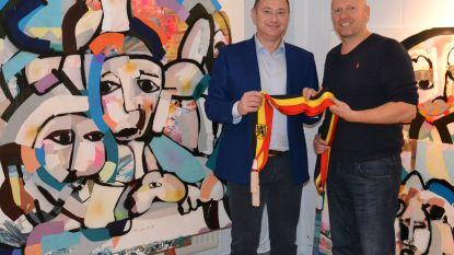 Pim Smit maakt exclusief schilderij met burgemeesterssjerp Peter Reekmans voor Kom op tegen Kanker