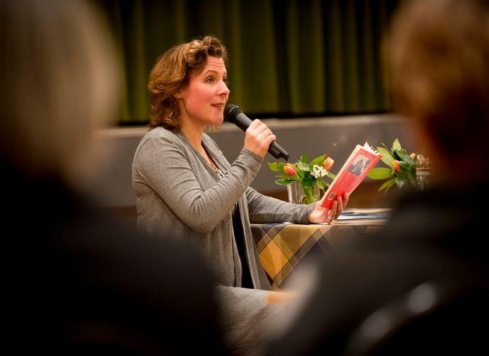 Dichter Ester Naomi Perquin.