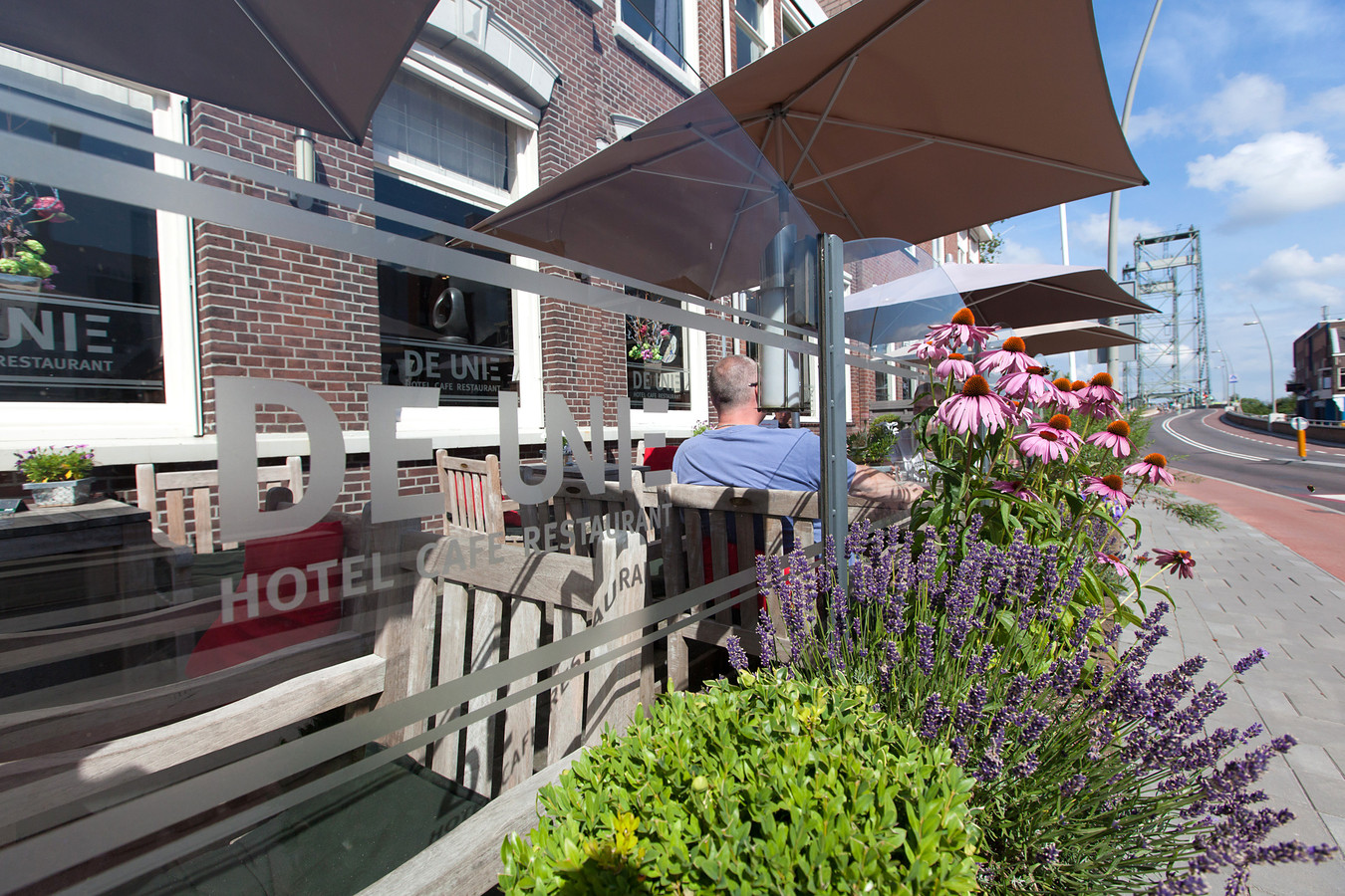 Een oude foto uit 2013 van hotel-restaurant Waddinxveen, dat nog altijd bekend staat als De Unie. De zaak is failliet.