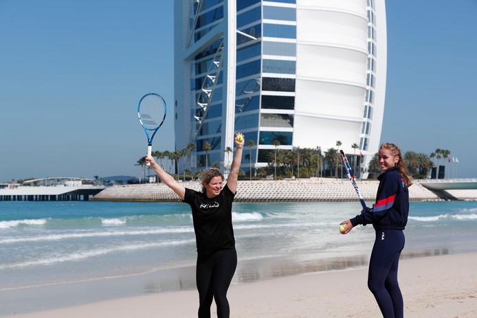 Kim Clijsters et Sofia Kenin, samedi, à Dubaï