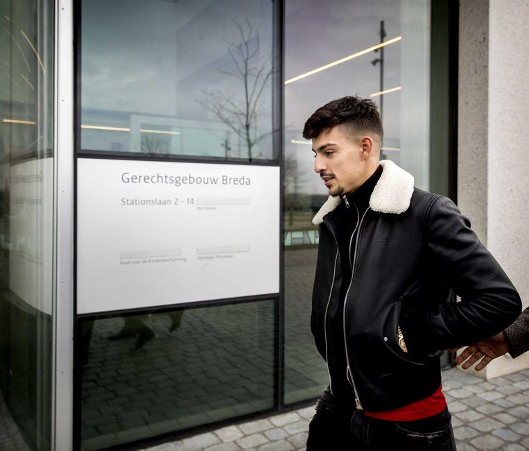 Rapper Boef komt bij de rechtbank waar hij zich moet verantwoorden voor een aantal flinke snelheidsovertredingen. Zo racete hij door Tilburg in een BMW en reed hij in een Audi 300 kilometer per uur op de snelweg.  Beeld ANP