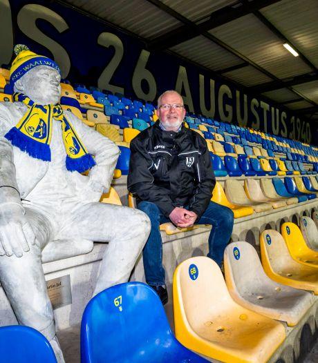 Al een jaar zonder supporters, maar de stewards blijven nodig in het stadion: 'Je pikt nu wel iets mee van de wedstrijd'