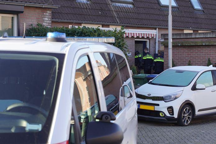 In de 12e straat Heeskesacker in Nijmegen is een woning overvallen.