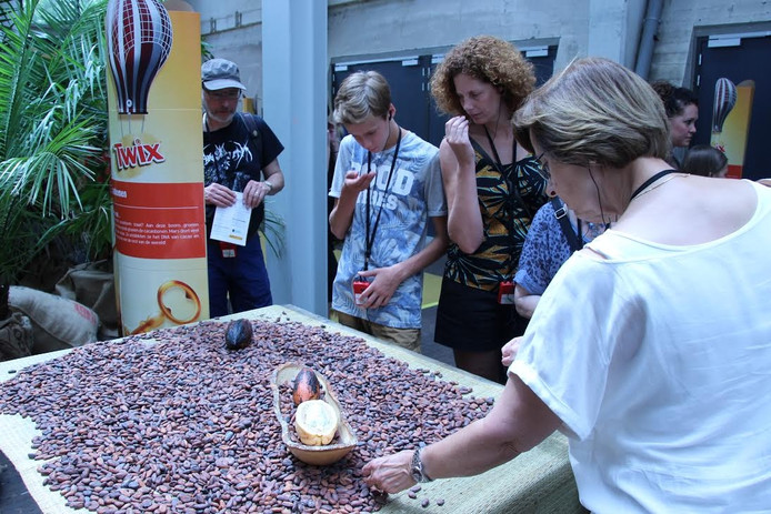 Op de Noordkade cacaobonen ruiken.