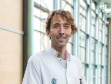 Bart werkt bij de Maartenskliniek: 'Eerst weer leren haren kammen en tanden poetsen'