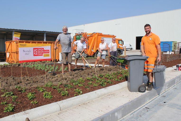 De medewerkers stellen ook hun kringlooptuin open.
