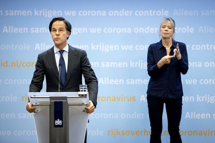 Mark Rutte tijdens de persconferentie dinsdag.