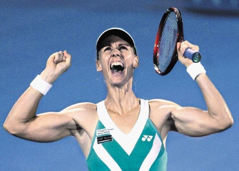 De Russin Dementjeva is dolgelukkig met de toernooizege in Sydney. Ze versloeg Serena Williams. (FOTO AP) Beeld
