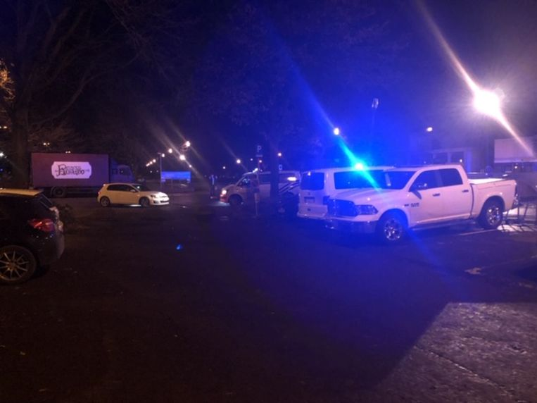 De politie houdt een grote klopjacht op vijf ontsnapte gevangenen in Turnhout. Beeld Jef Van Nooten