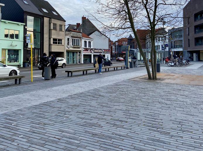 Themabeeld - bushalte aan het Dorpsplein in Kapellen