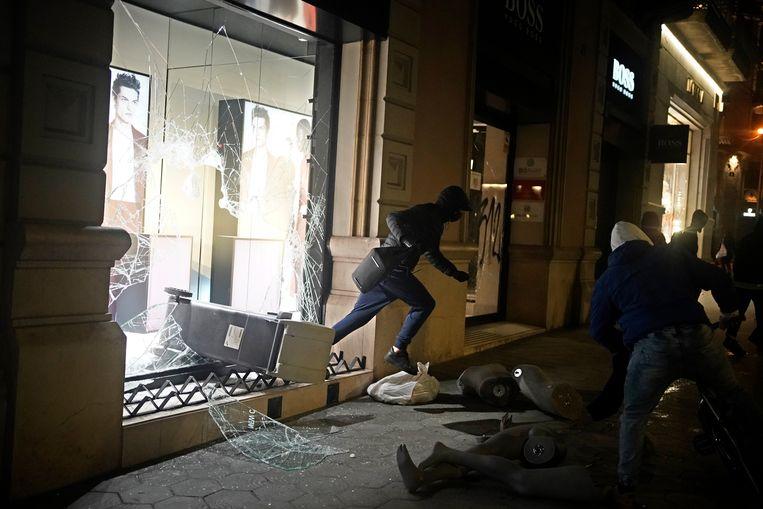 Plunderaars in Barcelona. Beeld AP