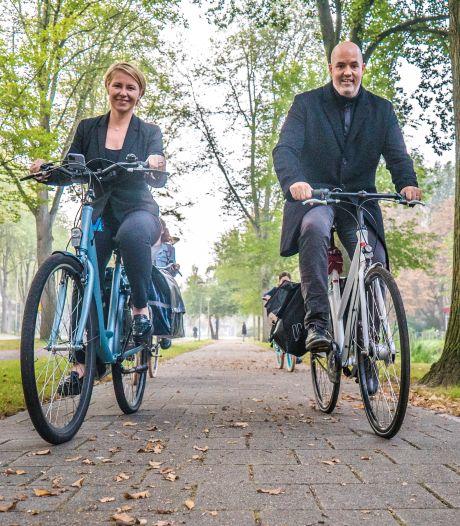 Dr. Natalia Barbour ging van Florida naar fietsstad Delft: 'Wat ik mis aan autorijden? Helemaal niets!'