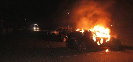 Auto uitgebrand in Velp